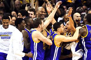 BASCHET: Golden State Warrios au câștigat campionatul NBA din 2015